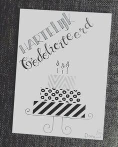 Gister weer iemand blij gemaakt met dit glitterende verjaardagskaartje . . . #doralijn #dutchlettering #letterart #lettering #modernlettering #handletteren #letters #handlettering #handlettered #handgeschreven #handdrawn #handwritten #creativelettering #creativewriting #creatief #typography #typografie #moderncalligraphy #handmadefont #handgemaakt #sketch #doodle #draw #tekening #illustrator #illustration #typespire #dailytype #quote #birthday