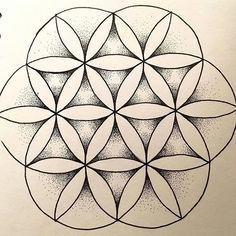 """Résultat de recherche d'images pour """"tatouage fleur de vie mandala"""""""