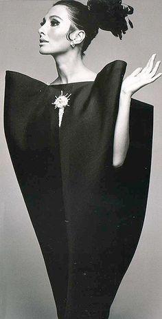 robe noire Balenciaga-1967