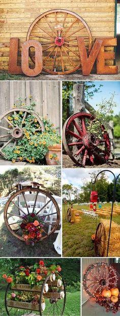 creative DIY rustic and country wagon wheel decoration ideas - Gartengestaltung Wagon Wheel Decor, Wagon Wheel Garden, Deco Champetre, Rustic Gardens, Backyard Landscaping, Residential Landscaping, Landscaping Ideas, Backyard Ideas, Luxury Landscaping