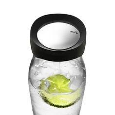レモンやライムを入れて ウォータージャグとして最適。