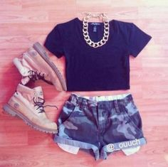 shorts, camouflage, camo, jewels, shoes, t-shirt -
