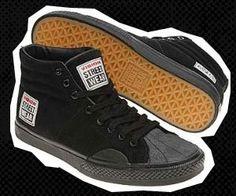 Vision Street Men's Suede Hi (Black M) null Retro Sneakers, Retro Shoes, Vintage Shoes, Casual Sneakers, Casual Shoes, Skateboard Gear, Skateboard Fashion, Vision Street Wear, Divas