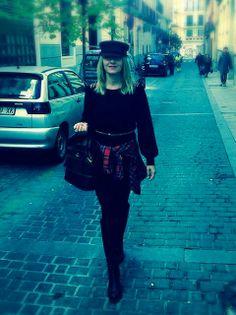 De compras con mi nueva gorra militar... Me encanta Gorra Militar 8171434ed30