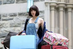 on the set 'How to Be Single' - Trailer Online Scenes Set 2017 - Fifty Shades Darker Movie Dakota Johnson Hair, Dakota Mayi Johnson, Single Trailer, How To Be Single, Fifty Shades Darker, Good Movies, Awesome Movies, American Actress, Short Hair Styles