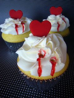 """BLOODY"" VAMPIRE BITE CUPCAKE WITH HEARTS (no recipe, cute idea)"