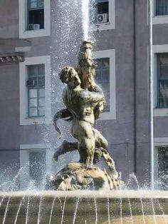 Glaucus fountain