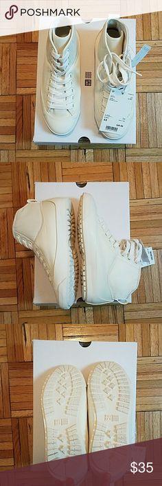 Nib! Christopher Lemaire × Uniqlo Hi-Cut Sneakers New in box!   Christopher Lemaire x UNIQLO Collaboration Hi-cutSneakers  -men's 4.5 equals women's size 6.5 Uniqlo Shoes Sneakers