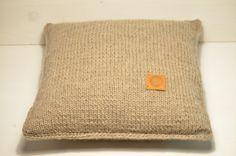 Kissen - Wollkissen* sticka* - ein Designerstück von minochdin bei DaWanda