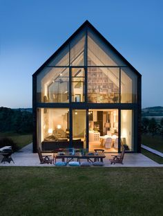 Discover the Best Latest Glass House Designs Ideas at The Architecture Design. Visit for more images and ideas about Glass House Designs Ideas. Modern Barn, Modern Farmhouse, Residential Architecture, Interior Architecture, Beautiful Architecture, Architecture House Design, Movement Architecture, Farmhouse Architecture, Japanese Architecture