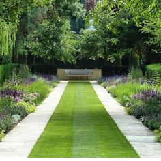This is what I want to have my garden look like next summer (yep already thinking about next summer!) #garden #design #gardens