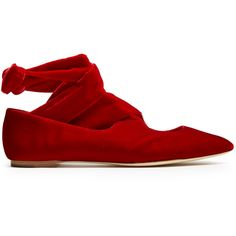 The Row Elodie wraparound velvet flats (4.965 DKK) ❤ liked on Polyvore featuring shoes, flats, red, velvet shoes, red velvet shoes, ankle wrap shoes, ankle strap flats and red shoes