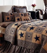 Vintage Star Navy Bedding - A traditional log cabin quilt block in navy and khaki mixed with a navy star on khaki homespun, cotton. Queen - x King - x like this style ? Primitive Homes, Primitive Bedroom, Primitive Quilts, Primitive Furniture, Primitive Antiques, Primitive Crafts, Primitive Christmas, Colchas Country, Country Primitive