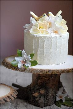 DIY wedding - rustic wedding cake stand created by a craft designer, Laurie Cinotto in Washington.