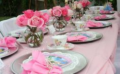 Jacklynne now wants a sleeping beauty party. I like this set up.