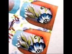 Flor aberta em carga dupla azul
