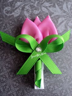 Items similar to Beautiful Pink Tulip Ribbon Sculpture Hair Bow on Etsy Ribbon Hair Clips, Hair Ribbons, Ribbon Art, Diy Hair Bows, Ribbon Crafts, Flower Crafts, Ribbon Bows, Diy Flowers, Fabric Flowers
