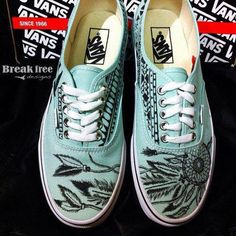 vans// I love these! someday// vans off the wall// cute// adorable// dream catcher Dream Shoes, Crazy Shoes, Nike Sneakers, Vans Shoes, Cute Shoes, Me Too Shoes, Awesome Shoes, Estilo Rock, Vans Off The Wall