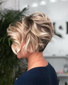 Latest Short Hairstyles for Winter 2020 , Pixie haircut has a harvest variant and is not very easy to maintain. If you like it so much, you can always have a ba Latest Short Hairstyles for Winter 2020 Nice Short Haircuts, Latest Short Hairstyles, Short Hairstyles For Thick Hair, Short Hair Cuts For Women, Winter Hairstyles, Cool Hairstyles, Bob Haircuts, Protective Hairstyles, Layered Hairstyles