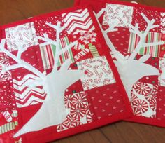 Christmas Reindeer Quilted Pot Holders Set by homesewnbychristine