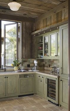 How to paint rustic kitchen cabinets rustic farmhouse kitchen cabinet hardw Rustic Kitchen Cabinets, Farmhouse Kitchen Decor, Home Decor Kitchen, Kitchen Interior, Kitchen Ideas, Rustic Farmhouse, Walnut Kitchen, Wood Cabinets, Kitchen Backsplash