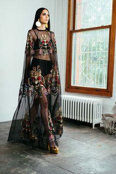 🦹🏻♀️🦹🏻♀️🦹🏻♀️🦹🏻♀️ – Outfit Inspiration & Ideas for All Occasions Adriana Miranda, Beautiful Dresses, Nice Dresses, High Fashion, Womens Fashion, Fashion Brands, Dolce & Gabbana, Elie Saab, Dress To Impress
