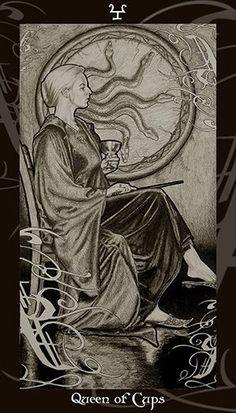 HP Tarot – Queen of Cups