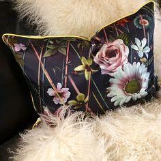 Designers Guild, Bags, Beautiful, Decor, Fashion, Handbags, Decoration, Decorating, Moda