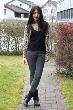 H cardigan, Zara top, Vero Moda jeans and Bata Boots for a casual look #batashoes