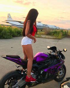 Motorcycle for women motorbikes biker chick 53 Ideas Motorbike Girl, Motorcycle Outfit, Motorcycle Bike, Bike Bmw, Lady Biker, Biker Girl, Motard Sexy, Yzf R125, Chicks On Bikes