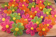 Spring cookies! Repinned By:#TheCookieCutterCompany
