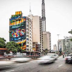 Linda arte do nosso amigo @kobrastreetart Foto by @alanteixxeira #saopaulocity #kobra #ayrtonsenna #paulista