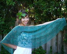 Ravelry: Kisseis pattern by Tori GurbiszSince the charts are quite large they are spread over two  pages for ease of reading and printing. A separate pdf of the charts is included, for ease of reading on your computer or other electronic device. Photo tutorials are linked in each applicable section for beading and working the double yarn overs on the wrong side.
