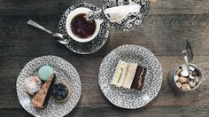 High tea is the perfect celebration and Chicago hotels and restaurants offer a wide range of afternoon teas