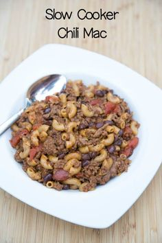 Slow Cooker Chili Mac ~ easy, inexpensive, and everyone loves it! | 5DollarDinners.com