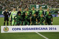 Al menos 25 muertos en un accidente de avión en Colombia en el que viajaba un equipo de fútbol