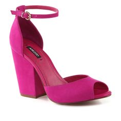 Love the color and the heel height is great for work or going out.