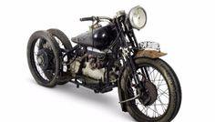 Niezwykle rzadkie motocykle marki Brough Superior trafiły pod młotek. Za ile zostały sprzedane?