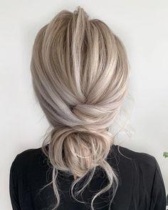 Messy Bun Updo, Thin Hair Updo, Long Thin Hair, Long Hair With Bangs, Long Hair Buns, Boho Updo Hairstyles, Casual Hairstyles For Long Hair, Work Hairstyles, Long Hair Updos