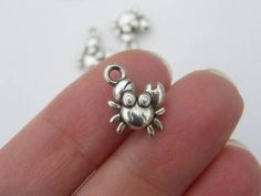 4 Crab charms antique silver tone FF94