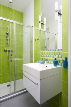 Bathroom:Chic Small Bathroom With Green Wall Tiles Also Glossy White Sink Inspiring Small Green Bathroom Ideas Bright Green Bathroom, Lime Green Bathrooms, Green Bathroom Decor, Modern Bathroom, Small Bathroom, Colorful Bathroom, White Bathroom, Minimalist Showers, Lovely Apartments