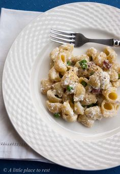 pasta veloce con ricotta pancetta e piselli - Pasta with ricotta, pancetta and peas