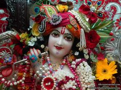 http://harekrishnawallpapers.com/sri-giridhari-close-up-iskcon-mira-road-wallpaper-009/