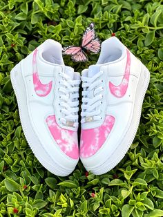 Dr Shoes, Cute Nike Shoes, Swag Shoes, Cute Nikes, Nike Air Shoes, Hype Shoes, Women Nike Shoes, Pink Nike Shoes, Adidas Shoes