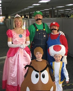 Super Mario Brotheru0027s costumes - how cute would this be with the pups as yoshis?  sc 1 st  Pinterest & 47 best Mario u0026 Princess Peach images on Pinterest | Halloween prop ...