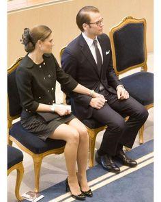 "529 gilla-markeringar, 6 kommentarer - Swedish Royals (@svenskakungligt) på Instagram: ""Crown Princess Couple of Sweden #kronprinsessanvictoria#prinsdaniel#victoriaochdaniel#kungahuset"""