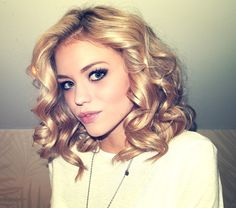 Love her short curly blonde hair and her makeup!!!