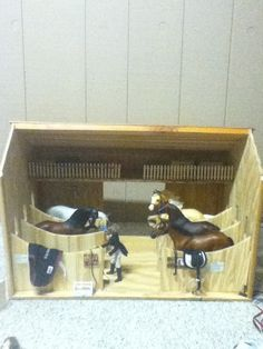 My schleich horse barn! Toy Horse Stable, Schleich Horses Stable, Horse Stables, Horse Barns, Cowgirl And Horse, Horse Love, Miniature Horse Barn, Horse Background, Bryer Horses