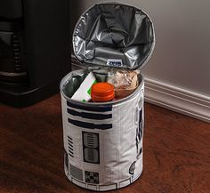 For over 100 years, thermos has created #unique products fueled by hotter, cooler and fresher thinking. This commitment continues with an expanding range of innovative, fashionable lunch kits that get your child's healthy lunch to school and back in style.  http://thegadgetflow.com/portfolio/star-wars-r2d2-lunch-bag-15/