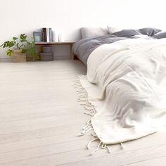 SEIMI_07さんの、ベッド周り,IKEA,DIY,Francfranc,モノトーン,モンステラ,ホワイト,LEDキャンドル,海外インテリア,グレージュ,海外インテリアに憧れる,NO GREEN NO LIFE,グリーンのある暮らし,のお部屋写真